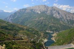 Cesta nad Fierze v Albánii